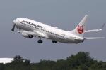 トリトンブルーSHIROさんが、秋田空港で撮影した日本航空 737-846の航空フォト(写真)