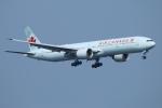 ceskykrumlovさんが、羽田空港で撮影したエア・カナダ 777-333/ERの航空フォト(写真)