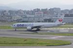 かずまっくすさんが、福岡空港で撮影した日本航空 777-246の航空フォト(写真)
