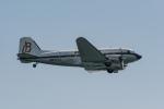 Takeshi90ssさんが、海浜幕張公園で撮影したスーパーコンステレーション飛行協会 DC-3Aの航空フォト(写真)