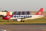 zettaishinさんが、ハノーファー空港で撮影したエーデルワイス航空 A320-214の航空フォト(写真)