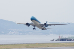 mild lifeさんが、関西国際空港で撮影したベトナム航空 A350-941XWBの航空フォト(写真)