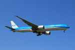 蒲田賢二さんが、成田国際空港で撮影したKLMオランダ航空 777-306/ERの航空フォト(写真)