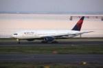 けいとパパさんが、羽田空港で撮影したデルタ航空 777-232/ERの航空フォト(写真)