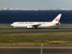 けいとパパさんが、羽田空港で撮影した日本航空 767-346の航空フォト(写真)