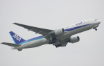 mototripさんが、福岡空港で撮影した全日空 777-281/ERの航空フォト(写真)