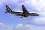 yoshibouさんが、成田国際空港で撮影したアリタリア航空 777-243/ERの航空フォト(写真)