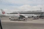 AntonioKさんが、那覇空港で撮影した日本航空 777-346の航空フォト(写真)