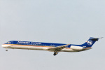 菊池 正人さんが、ロサンゼルス国際空港で撮影したミットウェスト・エアラインズ MD-81 (DC-9-81)の航空フォト(写真)