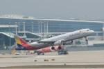NH642さんが、仁川国際空港で撮影したアシアナ航空 A321-231の航空フォト(写真)