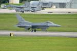 kon chanさんが、嘉手納飛行場で撮影したアメリカ空軍 F-16C-30-CF Fighting Falconの航空フォト(写真)