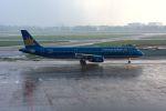 まいけるさんが、タンソンニャット国際空港で撮影したベトナム航空 A321-231の航空フォト(写真)