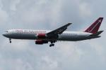 (`・ω・´)さんが、横田基地で撮影したオムニエアインターナショナル 767-33A/ERの航空フォト(写真)