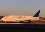 Bokuranさんが、ペインフィールド空港で撮影したボーイング 747-409(LCF) Dreamlifterの航空フォト(写真)