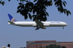 多楽さんが、成田国際空港で撮影したユナイテッド航空 777-322/ERの航空フォト(写真)