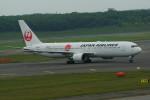 カメラマンあきさんが、新千歳空港で撮影した日本航空 767-346/ERの航空フォト(写真)