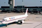 菊池 正人さんが、チューリッヒ空港で撮影したオヌール・エア A321-131の航空フォト(写真)