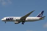 小牛田薫さんが、成田国際空港で撮影したLOTポーランド航空 787-8 Dreamlinerの航空フォト(写真)