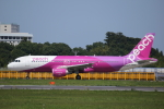 カンクンさんが、成田国際空港で撮影したピーチ A320-214の航空フォト(写真)