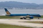 MOHICANさんが、関西国際空港で撮影したベトナム航空 A350-941XWBの航空フォト(写真)