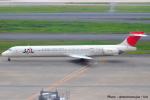 いおりさんが、羽田空港で撮影した日本航空 MD-90-30の航空フォト(写真)