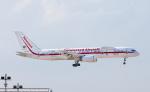 Asamaさんが、香港国際空港で撮影したハネウェル 757-225の航空フォト(写真)