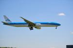 雲霧さんが、成田国際空港で撮影したKLMオランダ航空 777-306/ERの航空フォト(写真)