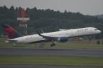 ほわいトさんが、成田国際空港で撮影したデルタ航空 757-26Dの航空フォト(写真)