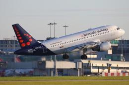 安芸あすかさんが、マンチェスター空港で撮影したブリュッセル航空 A319-111の航空フォト(写真)