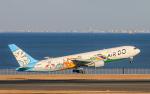 陳祈宏さんが、羽田空港で撮影したAIR DO 767-381の航空フォト(写真)