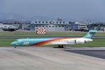 Gambardierさんが、名古屋飛行場で撮影した日本エアシステム MD-90-30の航空フォト(写真)