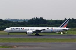 こだしさんが、成田国際空港で撮影したエールフランス航空 777-328/ERの航空フォト(写真)