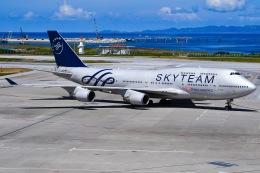 JA8961RJOOさんが、那覇空港で撮影したチャイナエアライン 747-409の航空フォト(写真)