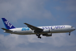JA8037さんが、成田国際空港で撮影した全日空 767-381F/ERの航空フォト(写真)
