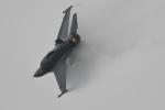 らひろたんさんが、千歳基地で撮影したアメリカ空軍 F-16 Fighting Falconの航空フォト(写真)