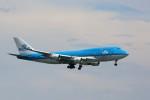 トールさんが、香港国際空港で撮影したKLMオランダ航空 747-406Mの航空フォト(写真)