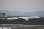 zero1さんが、新千歳空港で撮影したエバー航空 A330-302の航空フォト(写真)