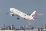 Y-Kenzoさんが、羽田空港で撮影した日本航空 777-246の航空フォト(写真)