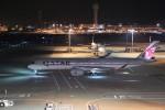 トールさんが、羽田空港で撮影したカタール航空 A350-941XWBの航空フォト(写真)