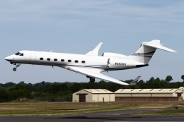 ファインディングさんが、フェアフォード空軍基地で撮影したガルフストリーム・エアロスペース G500/G550 (G-V)の航空フォト(写真)