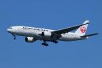 ceskykrumlovさんが、羽田空港で撮影した日本航空 777-246の航空フォト(写真)