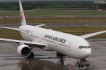 木人さんが、新千歳空港で撮影した日本航空 777-346の航空フォト(写真)
