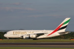安芸あすかさんが、マンチェスター空港で撮影したエミレーツ航空 A380-842の航空フォト(写真)