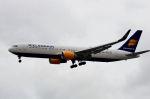 ちかぼーさんが、ロンドン・ヒースロー空港で撮影したアイスランド航空 767-319/ERの航空フォト(写真)