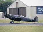 チャッピー・シミズさんが、フェアフォード空軍基地で撮影したイギリス空軍 Spitfireの航空フォト(写真)