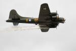 チャッピー・シミズさんが、フェアフォード空軍基地で撮影したB-17 Preservation Ltd. B-17G Flying Fortressの航空フォト(写真)