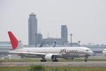 つねさんが、成田国際空港で撮影した日本航空 767-346F/ERの航空フォト(写真)