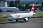こじゆきさんが、ドモジェドヴォ空港で撮影したスイスインターナショナルエアラインズ A320-214の航空フォト(写真)