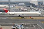 ヨルダンさんが、羽田空港で撮影した日本航空 MD-90-30の航空フォト(写真)