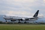 テクストTPSさんが、松山空港で撮影した全日空 767-381/ERの航空フォト(写真)